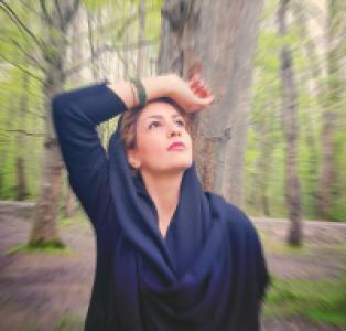 عکس شاعر شقایق بنی اسدی